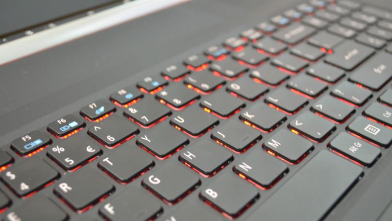 Acer Aspire V17 Nitro Black Edition (11)