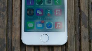 Următorul telefon Apple va fi inspirat de iPhone 5S