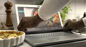 Transformă-ți ecranul de la laptop în touchscreen cu AirBar