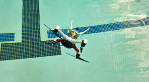 Această dronă spectaculoasă se descurcă la fel de bine în aer cât și în apă [VIDEO]
