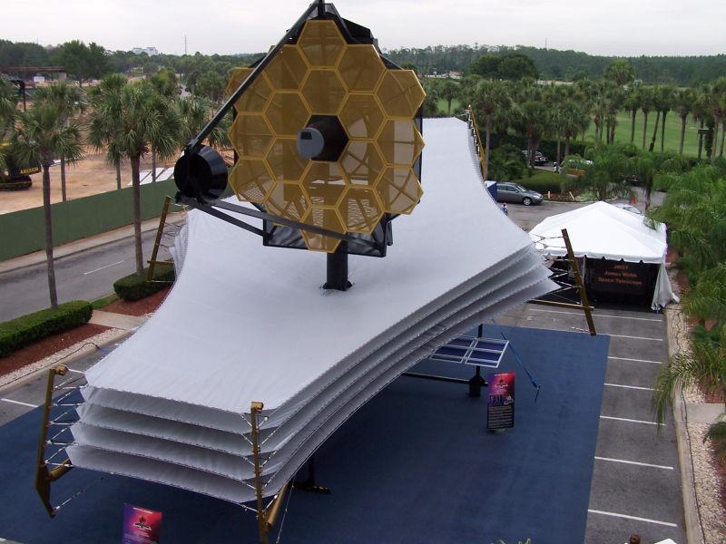 Model scalar-telescop JWST