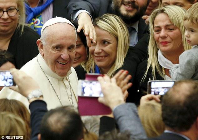 Papa Francisc-binecuvantare-1