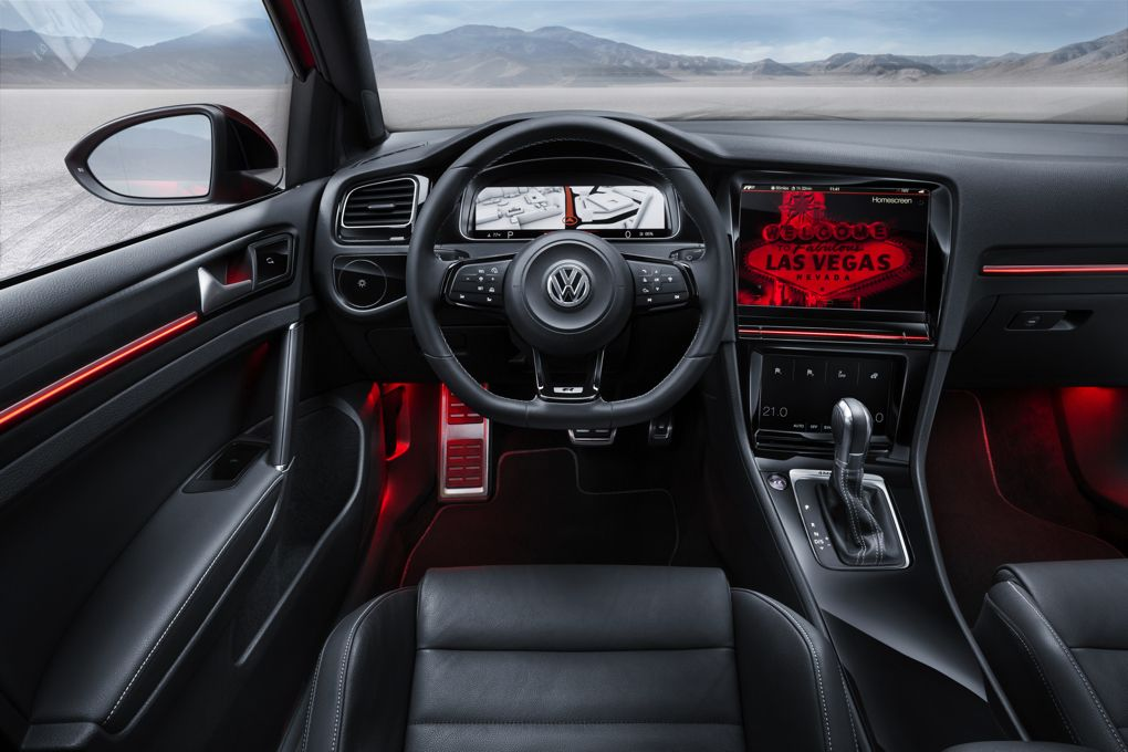 Volkswagen-Golf R Touch