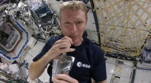 Cafeaua în spațiu se face altfel decât pe Pământ [VIDEO]