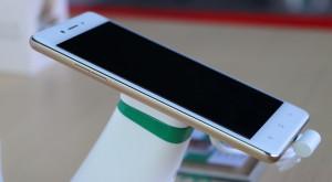 Oppo F1 este un nou smartphone sprinten și atrăgător