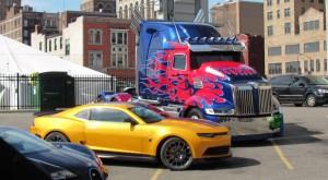 Optimus Prime și Bumblebee din Transformers, la licitație