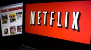 De ce nu ești un fraier dacă dai bani lunar pe Netflix