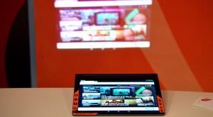 "Lenovo Yoga Tab 3 Pro redefinește entertainmentul ""la purtător"" [REVIEW]"