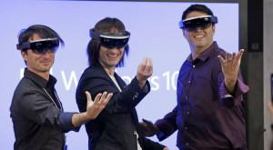 """Microsoft așteaptă ca """"lumea să fie gata"""" pentru ochelarii HoloLens"""