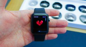 Un Apple Watch a prevenit un infarct și a salvat o viață