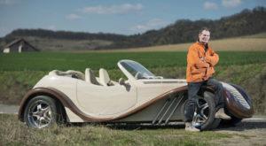 Românul care și-a construit o mașină din lemn