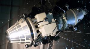 Primul vehicul care a orbitat Luna era programat să transmită imnul comuniștilor