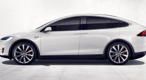 Din motive de siguranță, Tesla cheamă înapoi Model X