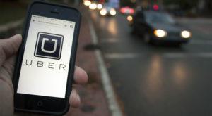 Uber ar putea să te taxeze pentru întârzieri