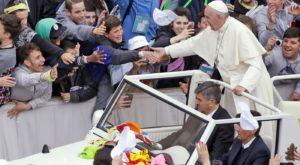 Tehnologia și religia: Papa încearcă să vă invite la socializare reală