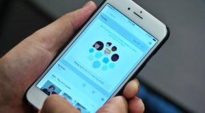 Facebook te obligă să îți instalezi o aplicație pentru a-ți păstra pozele