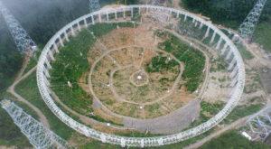 """China a terminat construcția celui mai mare telescop """"vânător"""" de extratereștri"""