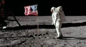 NASA a vândut accidental un obiect important din misiunea Apollo 11, iar acum îl vrea înapoi