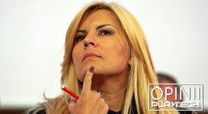 Îngerii și demonii Elenei Udrea: mântuirea online a politicienilor români