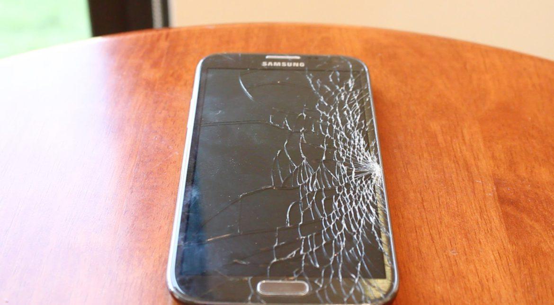 Înlocuirea ecranului la Galaxy Note 7 costă cât un telefon premium
