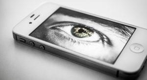 Bateria telefonului poate fi folosită pentru spionaj