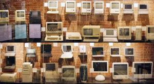 Fanii Apple se îngrămădesc la o licitație de sisteme clasice
