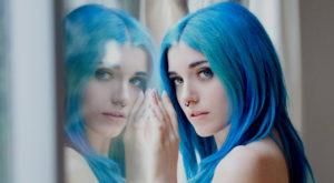 De ce părul uman nu poate fi albastru natural