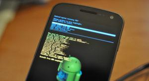 Jumătate din telefoanele Android sunt vulnerabile în fața unui malware