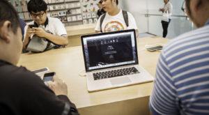 Apple ar putea lansa noi MacBook-uri luna aceasta