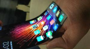Xiaomi a creat un ecran flexibil pentru smartphone-uri [VIDEO]