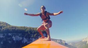 Acest sport extrem este inspirat de BASE jumping și surfing