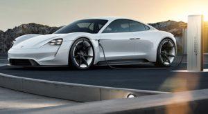 Marile companii auto deschid sute de puncte de încărcare pentru mașinile electrice