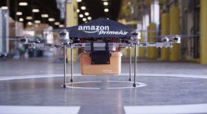 Amazon a început să-ți livreze comenzile folosind drone