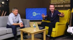 Premierul D. Cioloș acordă un interviu celui mai popular vlogger din România