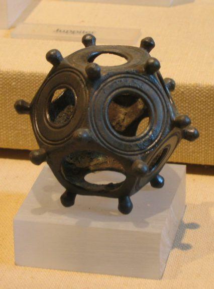 dodecahedronul roman artefacte istorice