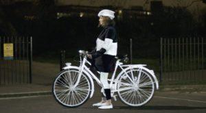 Volvo a relansat spray-ul reflectorizant pentru bicicliști