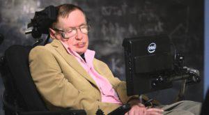 """Stephen Hawking avertizează: """"trăim cele mai periculoase vremuri"""""""