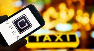 Taximetriștii pregătesc proteste împotriva Uber în fața Guvernului