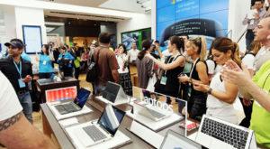 Nimeni nu mai face upgrade: Vânzările de PC-uri continuă să scadă