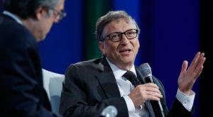 """Bill Gates vrea impozit pe profit """"plătit"""" de roboți"""