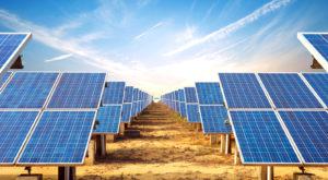 Energia solară devine populară în defavoarea combustibilor fosili