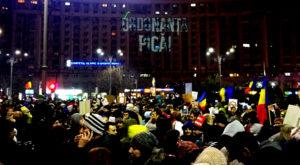 Cine sunt cei care au proiectat nemulțumirile românilor la protest și cum poți transmite și tu un mesaj