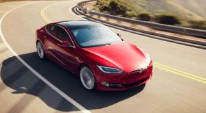 Tesla Model S depășește un nou record de viteză