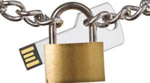 Cum pui parolă la un stick USB și îți protejezi datele prin criptare