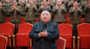 Nord-coreenii joacă volei într-un poligon pentru teste nucleare
