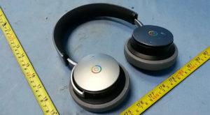 Primele căști Google au un design fascinant prin simplitate