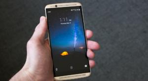 Oferte eMAG Crazy Days: Reduceri la smartphone-uri și tablete