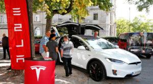 Riscurile sunt reale: De ce au fost chemate în fabrică 53.000 de mașini Tesla