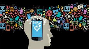Cum ne influențează smartphone-urile judecata de zi cu zi