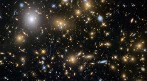 Trei fizicieni din SUA îl contrazic pe Stephen Hawking în privința Big Bang-ului